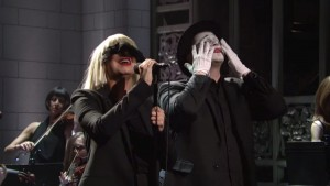 SIA-SNL-sia-chandelier-ASL-mime-9