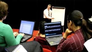 asl-interpreters-in-classrooms-02