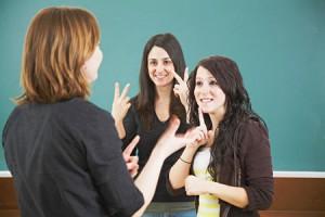 asl-interpreters-in-classrooms-09