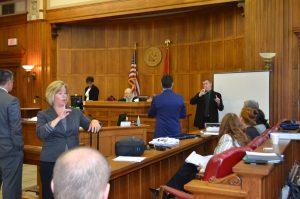 asl-sign-language-interpreting-job-court-legal-setting-03
